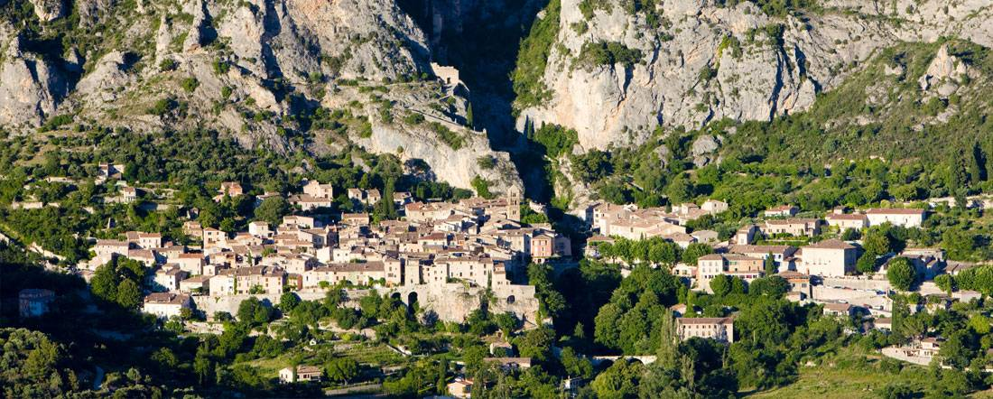 http://www.camping-lapinede-04.com/medias/admin/46-article-moustiers-sainte-marie.jpg