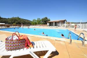 piscine camping pinede